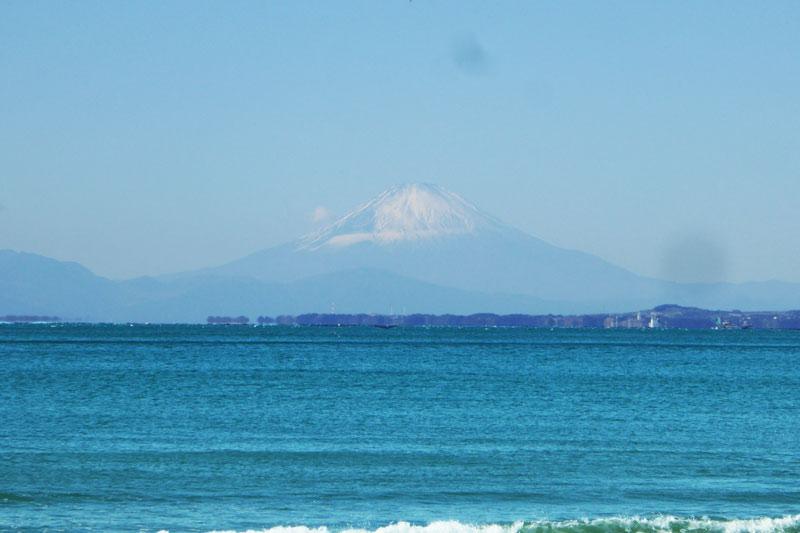 岩井海岸の富士山の画像